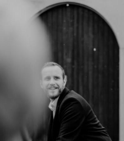 Portrait photo of Simon Heß